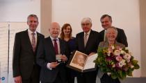 Verleihung der Reinhold-Maier-Medaille