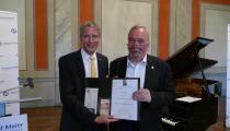 Verleihung der Reinhold-Maier-Nadel an Dietmar Schöning